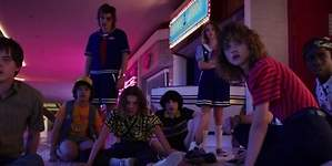 Stranger Things 3: La adolescencia y los monstruos