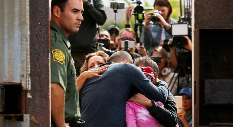 deportacion-padre-frontera-estados-unidos-eeuu-hijo-nino-migracion-inmigrante-reuters.jpg