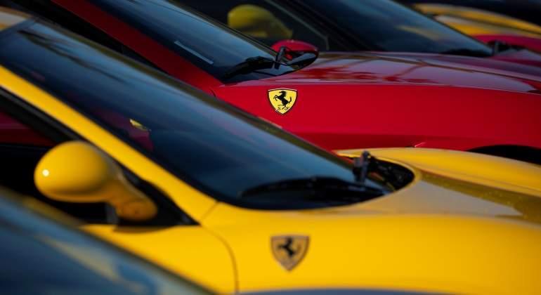 El origen de la tendencia 'Ferrari' y los más divertidos memes — Twitter
