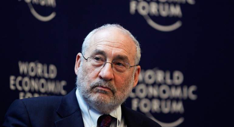 stiglitz-world-forum.jpg