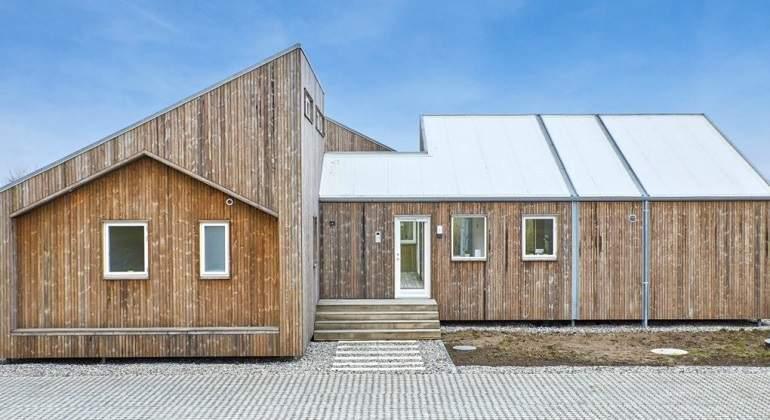 La primera casa ecológica del mundo, de hierba, paja y algas