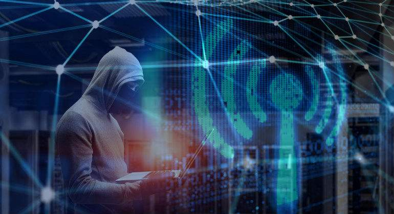 wifi-hacker.jpg