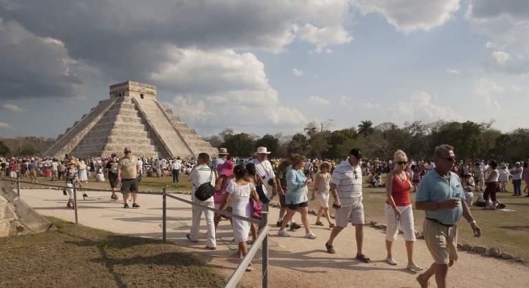 Turistas-reuters.jpg