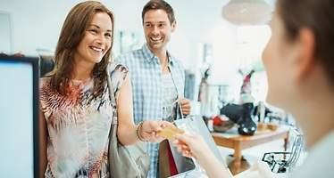 ¿Cómo compran los españoles? Están dispuestos a pagar más por recibir su compra en el día