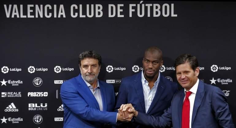 El Valencia impulsa su plan de fichajes estrella