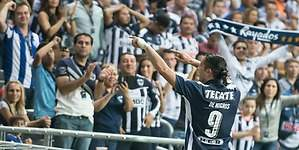 Aldo De Nigris anuncia su retiro del futbol
