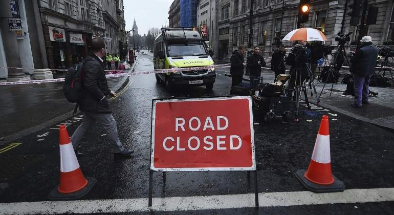 atentado-londres-carretera-cerrada-reuters.jpg