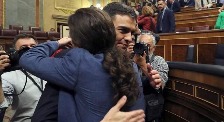 Delenda est Sánchez y sus secuaces bilaketarekin bat datozen irudiak