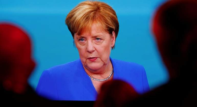 Merkel-decate-reuters.jpg