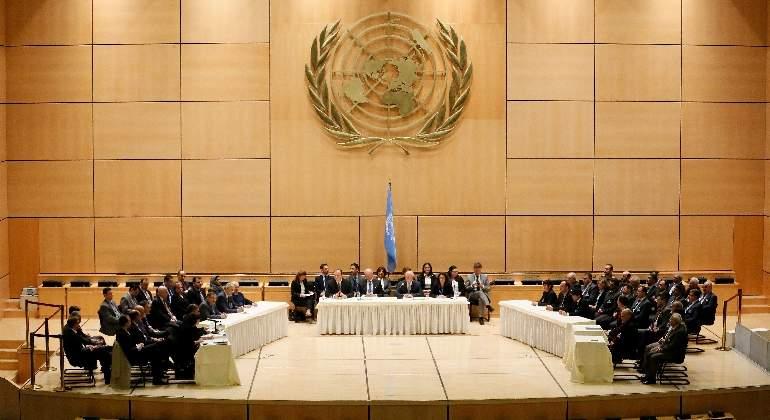Gobierno sirio y oposición se sientan cara a cara por primera vez en tres años