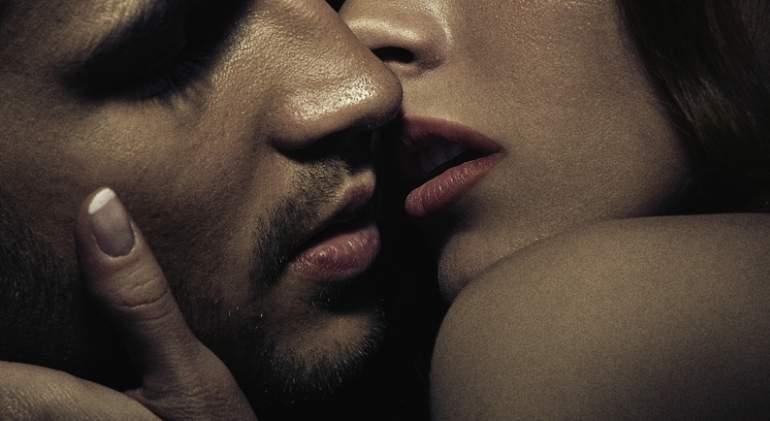 pareja-beso-sexo-dreams.jpg