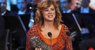 Histórico doblete de Emma Suárez: gana los Premios Goya a mejor actriz protagonista y de reparto