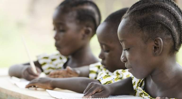 ninas-africanas-escuela-dreams.jpg
