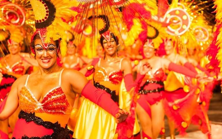 carnavaluruguay.jpg