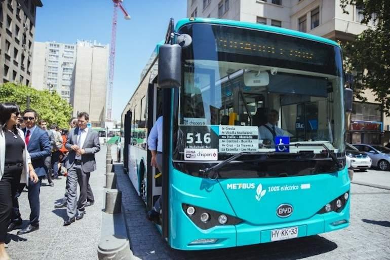 Comenzaron a funcionar los primeros buses eléctricos del Transantiago