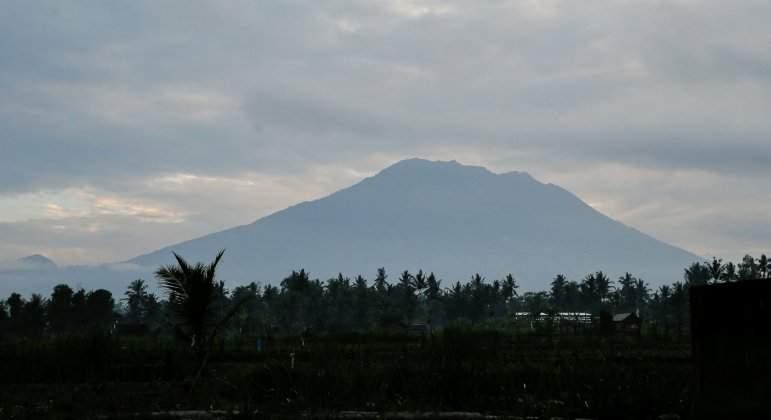 volcan-agung-bali-efe.jpg