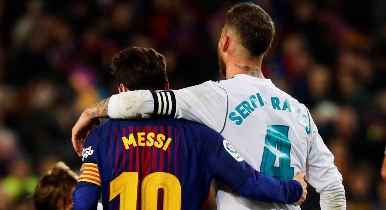 Ramos-abraza-Messi-2018-EFE-Clasico.jpg