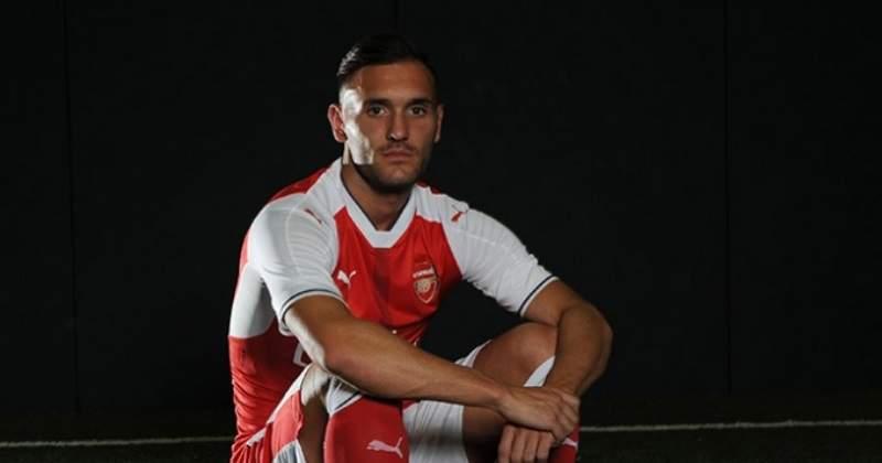 El Arsenal hace oficial el fichaje de Lucas Pérez, del Deportivo