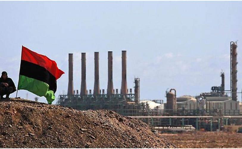 El este de Libia paraliza más de la mitad de la producción de petróleo del país