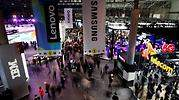 La organización del Mobile World Congress se reúne este viernes para ver si sigue adelante con la feria ante la fuga de empresas