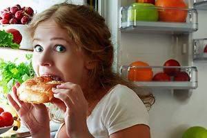 Estos son los alimentos que deberías desterrar de tu merienda