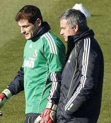 Casillas-mourinho-entreno.jpg