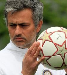 Mourinho_balon_champions.jpg