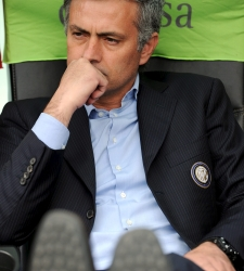 Mourinho_banquillo_chievo.jpg