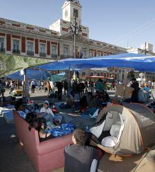 acampada-sol-sofa.jpg