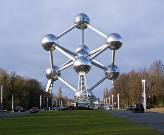 Átomo en Bruselas, Bélgica
