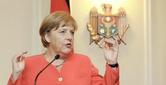 Merkel-Moldavia-2012-efe.jpg