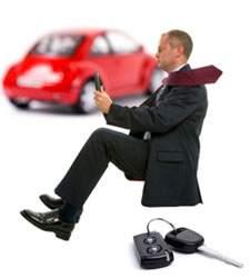 Un coche en régimen de <i>renting</i> puede ser hasta 5.000 euros más barato que comprado