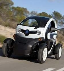 Renault regala un Twizy a quienes compren un Laguna, un Space o un Latitude