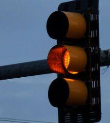 ¿Cuánto cuesta saltarse cada una de las señales de tráfico?