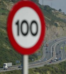 El Gobierno instalará el sistema de <b>velocidad variable</b> en autopistas y autovías