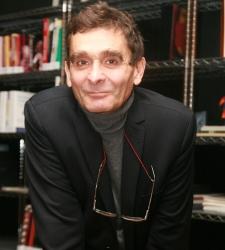 Adolfo dom nguez pide el despido libre y que los for Adolfo dominguez trabajo
