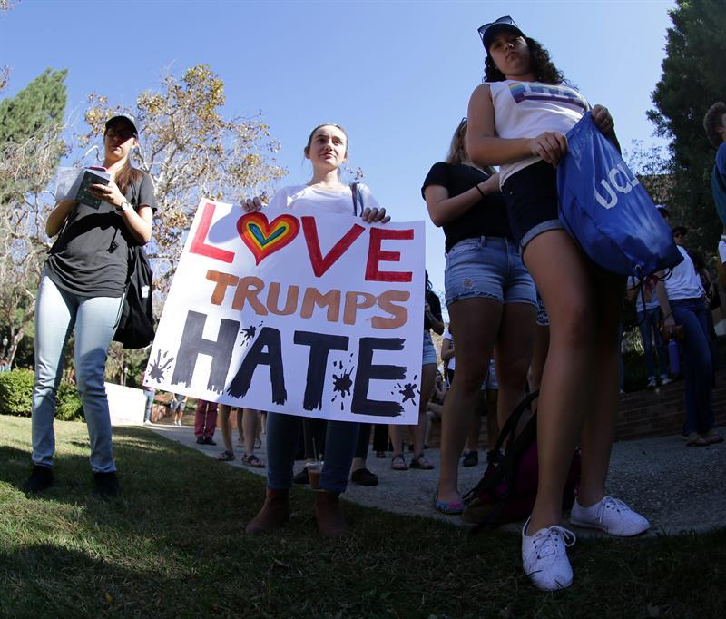 Protestaron en al menos 25 ciudades en contra de Donald Trump