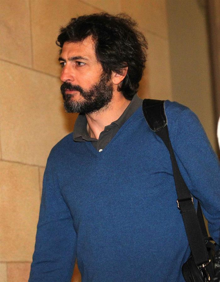 Oleguer pujol admitir que cobr millones en negro pero for Sucursales banco santander barcelona